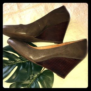 Leather Textured Pumps